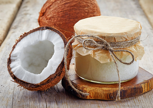cococnut-oil-for-candida-overgrowth